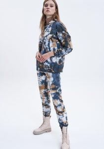 UNQ 81226130001810 sieviešu džemperis, daudzkrāsains