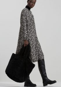 Luisa Cerano 84861441061 sieviešu soma melnā krāsā
